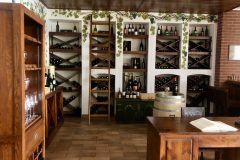 מרתף היין של מלון קמפלינסקי