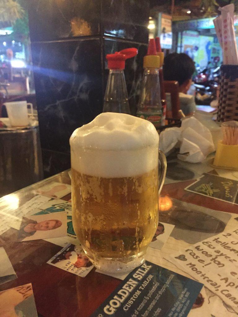 שליש בירה בחצי שקל ב-Cafe 43