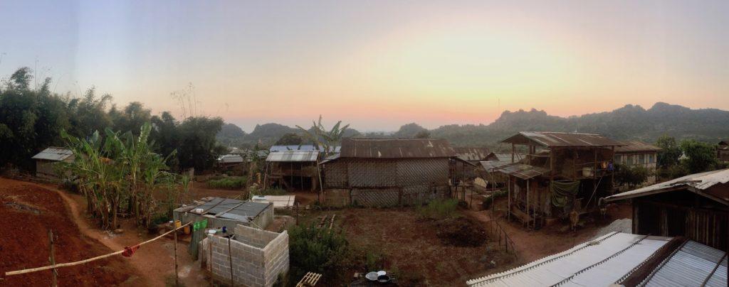 אחד הכפרים בהם ישנים במהלך הטרק