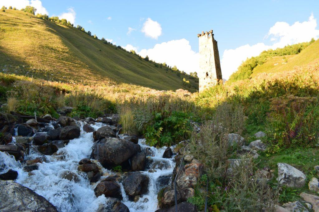 מגדל שמירה מהמאה ה-12 בכפר אדישי