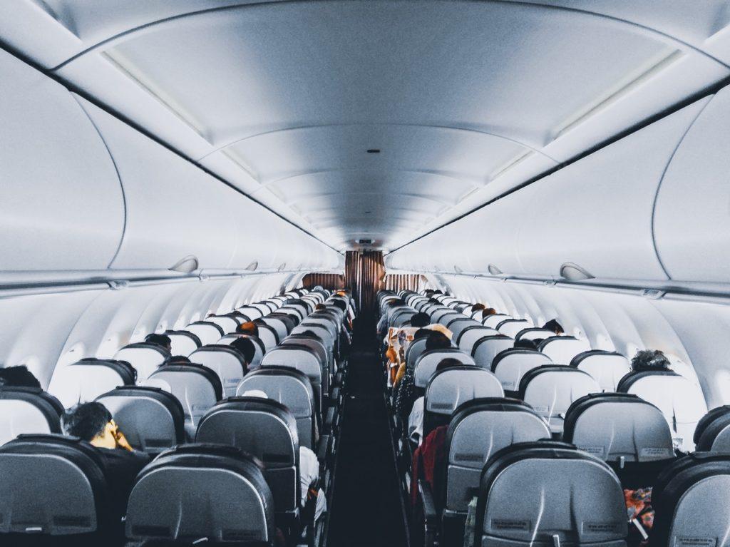 בקיצור קחו את המזוודה למטוס