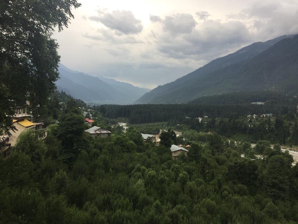 עמק קולו והנוף הנשקף מהכפר ואשישט